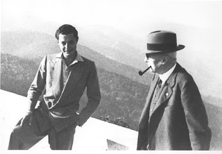 A rare picture of Gianni Agnelli (left) with his grandfather, Giovanni Agnelli, the founder of FIAT, taken in 1940