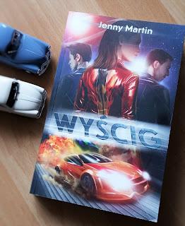 """Wyścigowa wizja przyszłości dla młodzieży. Recenzja """"Wyścigu"""" Jenny Martin."""