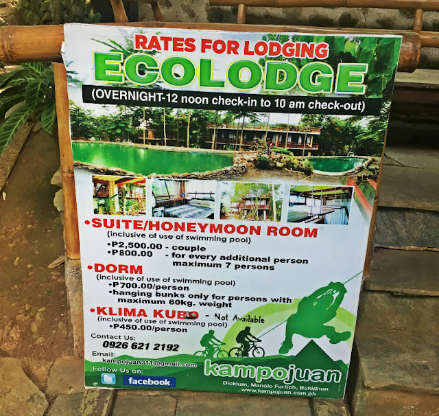 kampojuan ecolodge is situate beside the pool