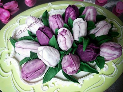 royal icing tulip