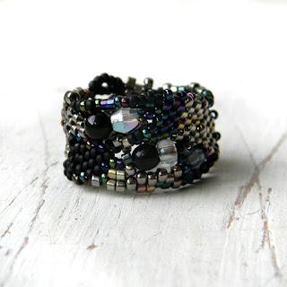 купить кольцо ручной работы из бисера украшения бижутерия