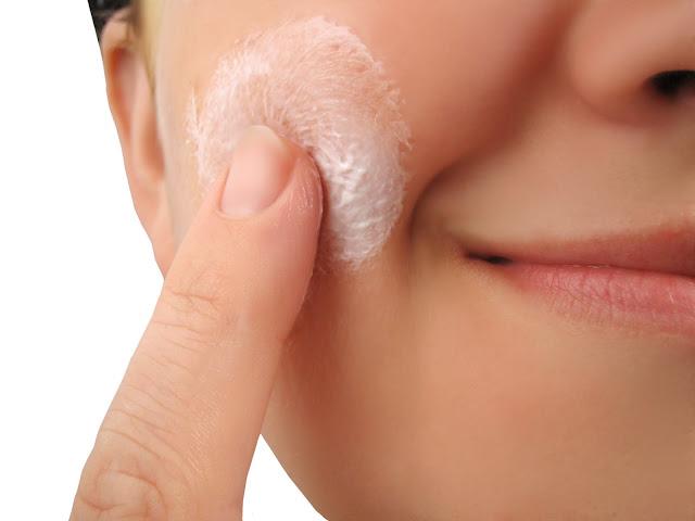 Menghilangkan Jerawat Dengan Mengoleskan Pasta Gigi