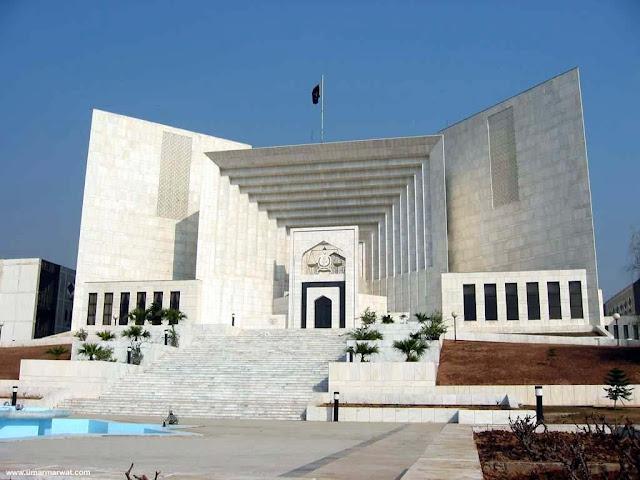 آصف شاہد: کس بنیاد پر عمران خان کے سرٹیفکیٹ کو جھوٹا کہیں، چیف جسٹس