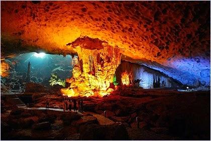 ถ้ำหินงอกหินย้อยอ่าวฮาลองเบย์