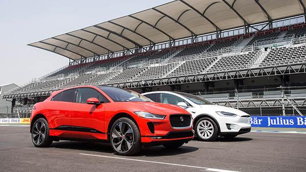 Jaguar I-Pace, Tesla Model X'e Karşı