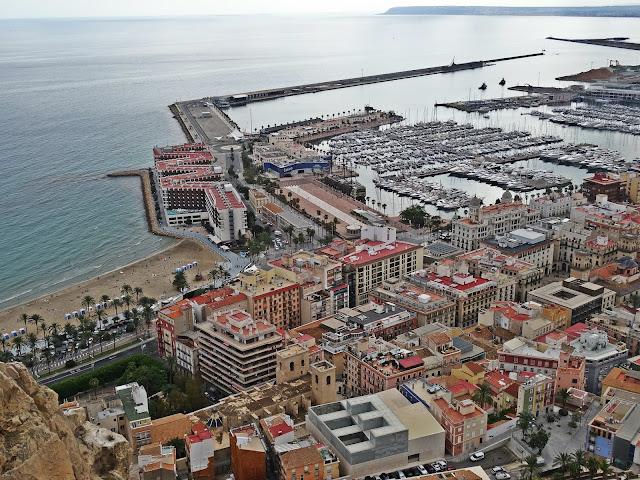 widok na port Alicante