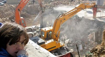 Yahudi Mulai Menghancurkan Masjid Al Aqsha dengan Alat Berat
