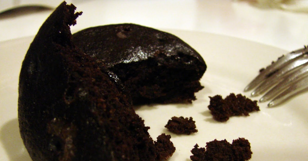 Paleo Cake Recipes Uk: Mrs. Paleo: Chocolate CAKE... Need I Say More??