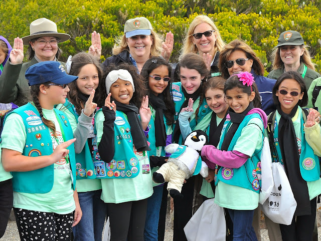 girl scouts volunteer