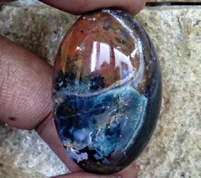 Khasiat Batu Akik Panca Warna Unik
