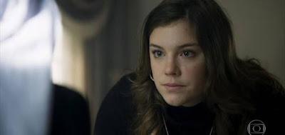 Alice Wegmann em cena de Órfãos da Terra, da Globo, em que interpreta a vilã libanesa Dalila