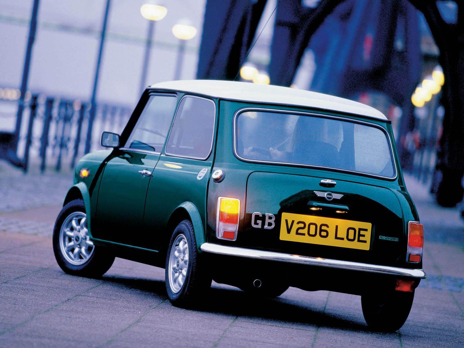 Light Blue Classic Mini - Mini Cooper Photo (6977301) - Fanpop  Old Blue Mini