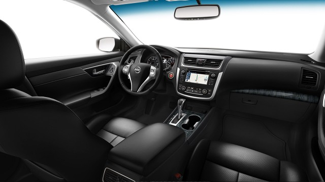Interior view of 2016 Nissan Altima 2.5 SL