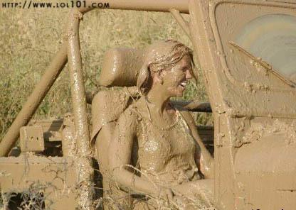 Miley cyrus gets nude