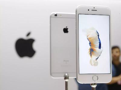 Berita-Tekno-WOW-iPhone-Akan-Menggunakan-Layar-Tekuk-Tahun-Depan