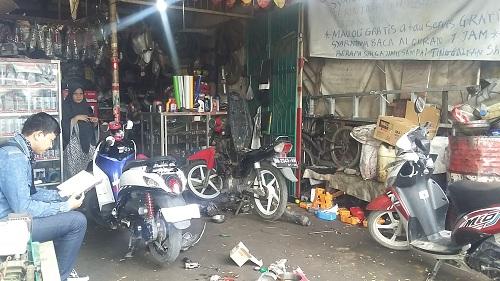 Salah Satu Bengkel di Makassar Terapkan Pembayaran Dengan Bacaan Al-Quran