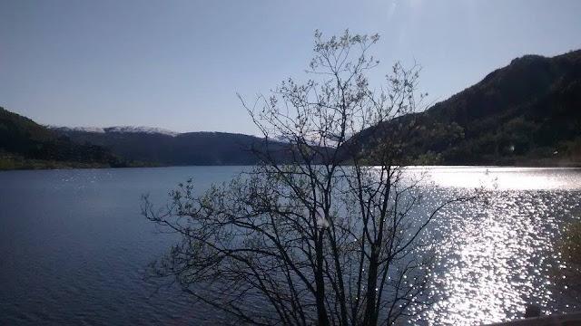 Lago Oppheimsvatnet (@mibaulviajero)