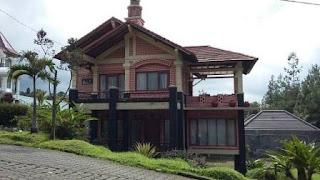 Villa Rian 4 Kamar di Istana Bunga Lembang