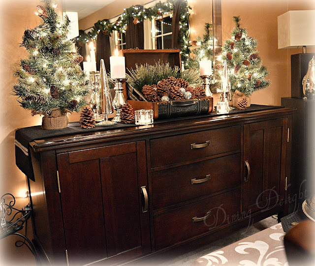 Dining Room Buffet Ideas: Dining Delight: Pine Cones & Candles For Christmas
