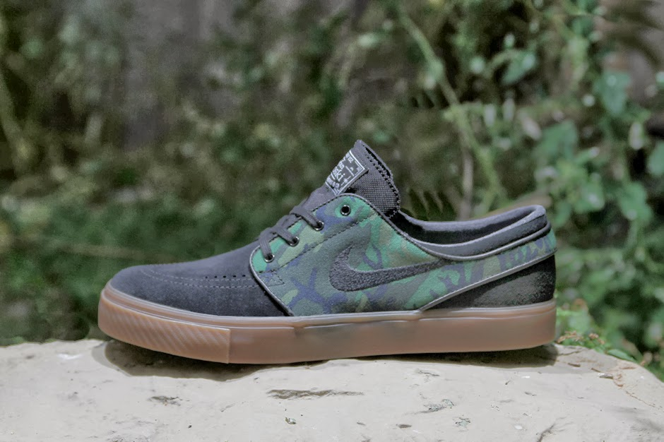 5334ef1ac2 Nike SB beautifies the Zoom Stefan Janoski ankle-high sneaker with the  United States Army s Engineer Research and Development Laboratories (ERDL)  Camouflage ...