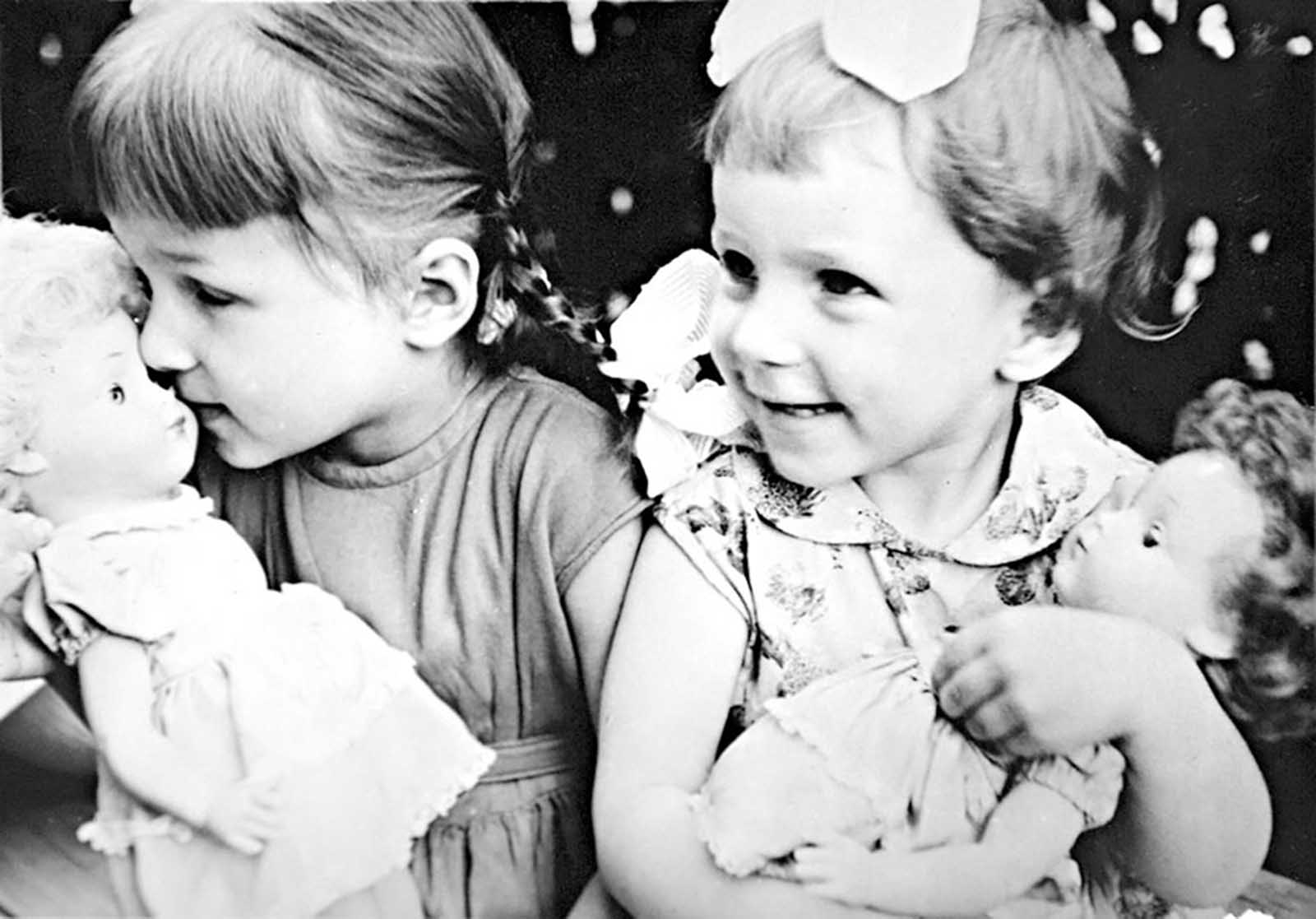 Yeltsin's daughters in 1965. Yelena and Tatyana, born in 1957 and 1960.