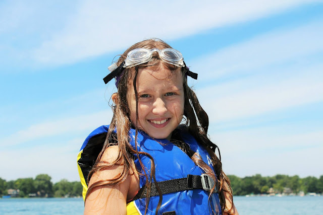 life jackets safety tips, boating safety, water safety, kid, pool safety, drowning prevention, Aqua-Tots