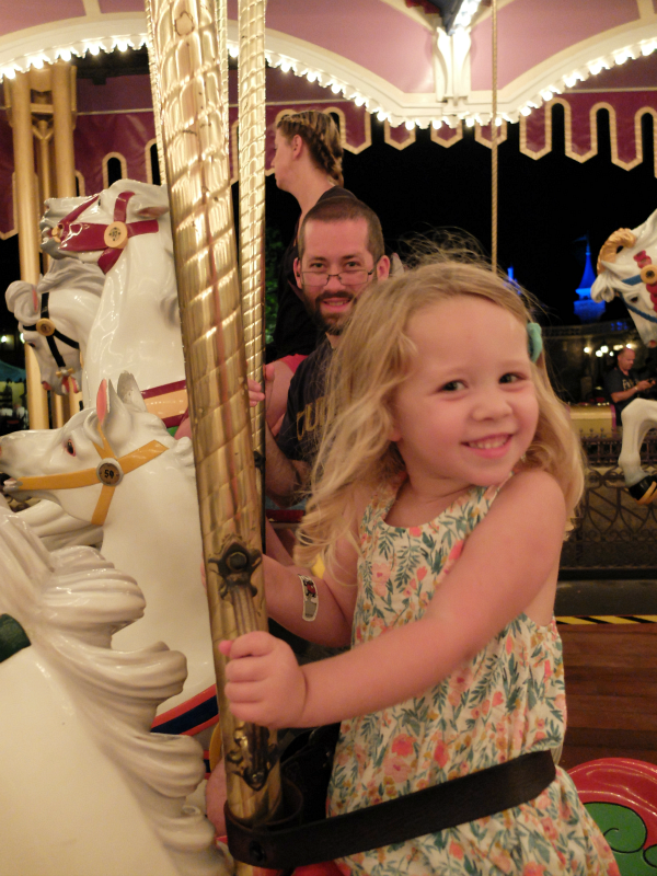[Cheers to Five Years] Disney Trip #24, day 2 - A Full Day at Magic Kingdom