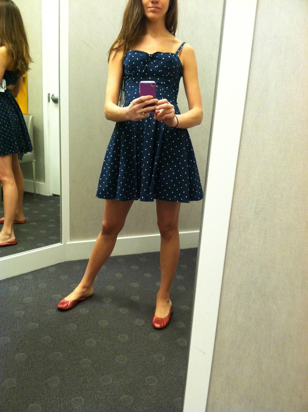 Jessica Simpson Lace Feather Dress 6k Pics