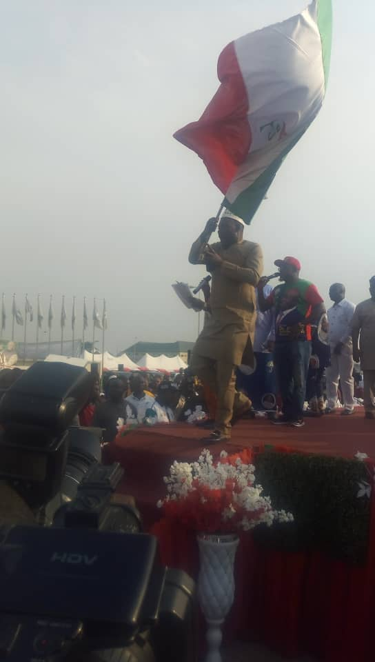 2019: Evergreen Boss Received PDP flag from the state leadership of the party.