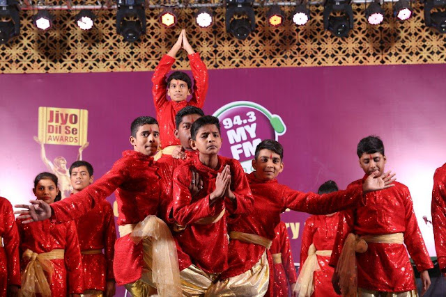 Children performing on Ganesh Vandana 1