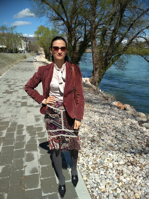 Outfit: Heels Worn With a Floral Print Skirt, Silk blouse and blazer