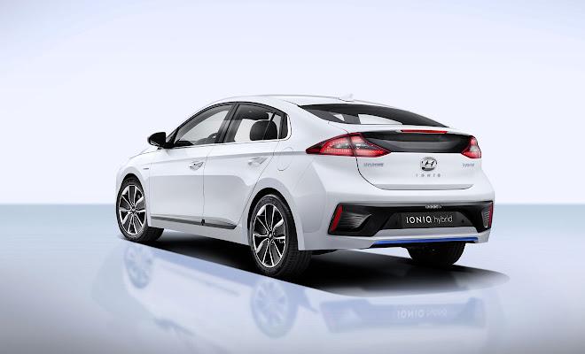 By Lem Bingley Hyundai Ioniq Hybrid