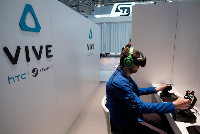 kinh-thuc-te-ao-HTC-Vive-2