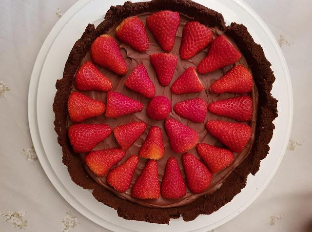 Ricetta Crostata fragole e cioccolato, senza cottura