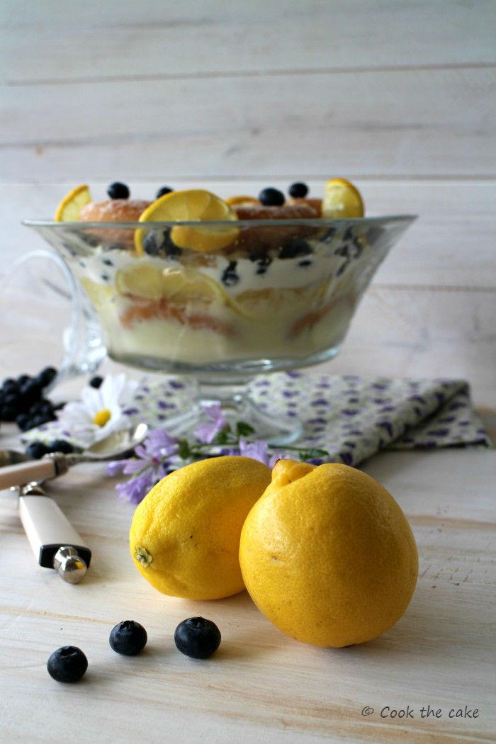 trifle-de-limon-y-arandanos, lemon-donuts-trifle, donuts-trifle
