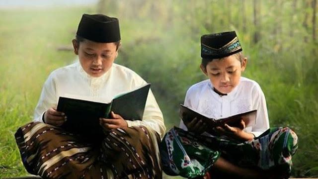 Inilah 3 Manfaat Penting Membiasakan Anak Membaca Buku Sedari Kecil