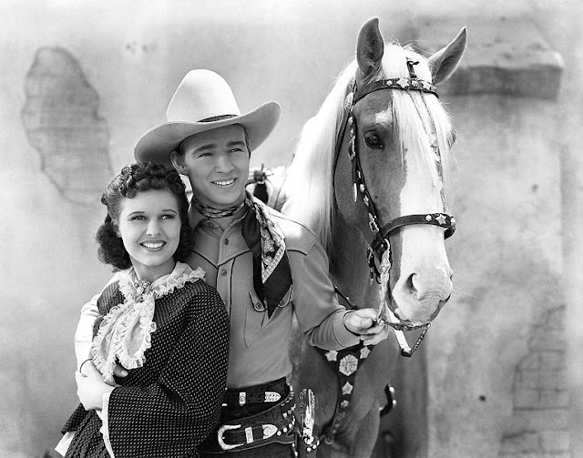 Image: Lynne Roberts-Roy Rogers in Billy the Kid Returns, American film in the public domain