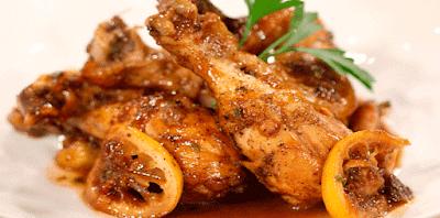 Pollo agridulce con limón, una receta de pollo muy fácil de hacer, un plato súper simple que no deja de sorprender por su gran sabor. La combinación del limón y la miel  siempre es deliciosa  y si se la combina con pollo una delicia.