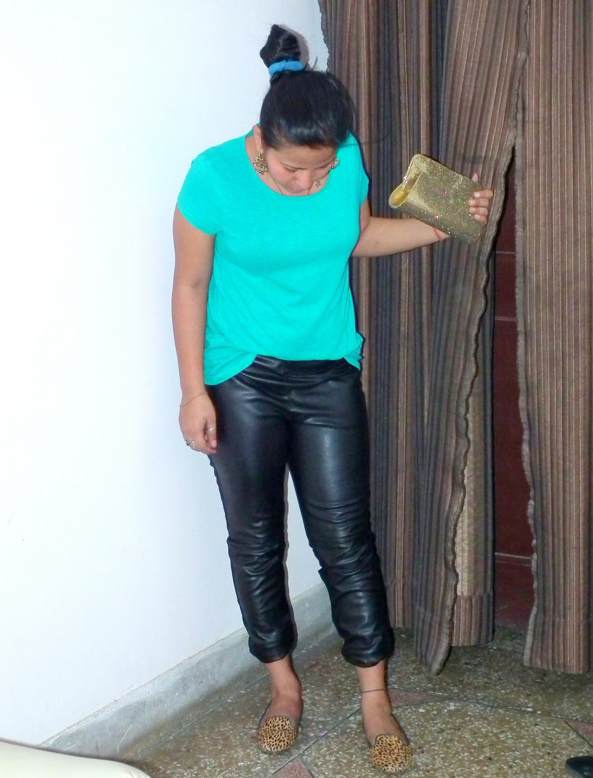 675869b8 Outfit | Styling Cyan Tshirt with Faux Leather and Leopard Print ...