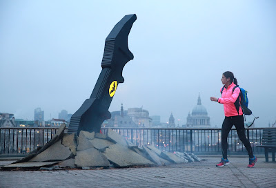 LEGO® BATARANG CRASHES ONTO BANK OF THAMES