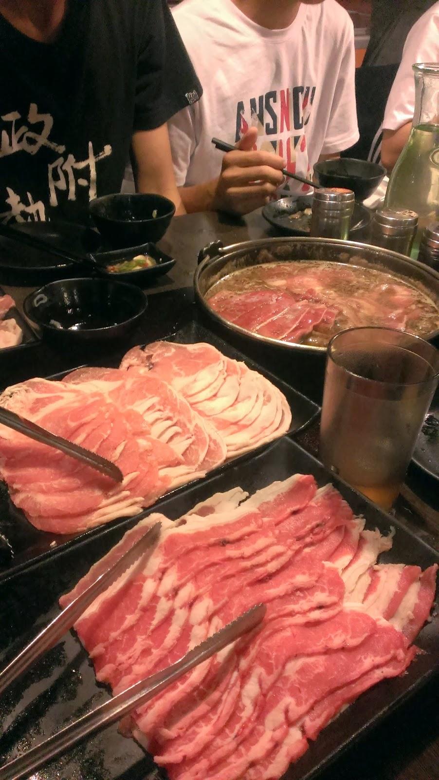 2014 11 09%2B17.29.22 - [食記] 潮肉壽喜燒 - 平價多樣的壽喜燒吃到飽