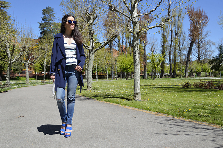 crop-top-rayas-jeans-sandals-blue-azul-trends-gallery-blogger-look