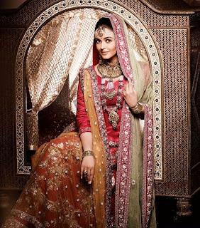 Aishwarya Rai Looks Like A Real Queen