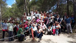 Participantes tras el paseo limpio