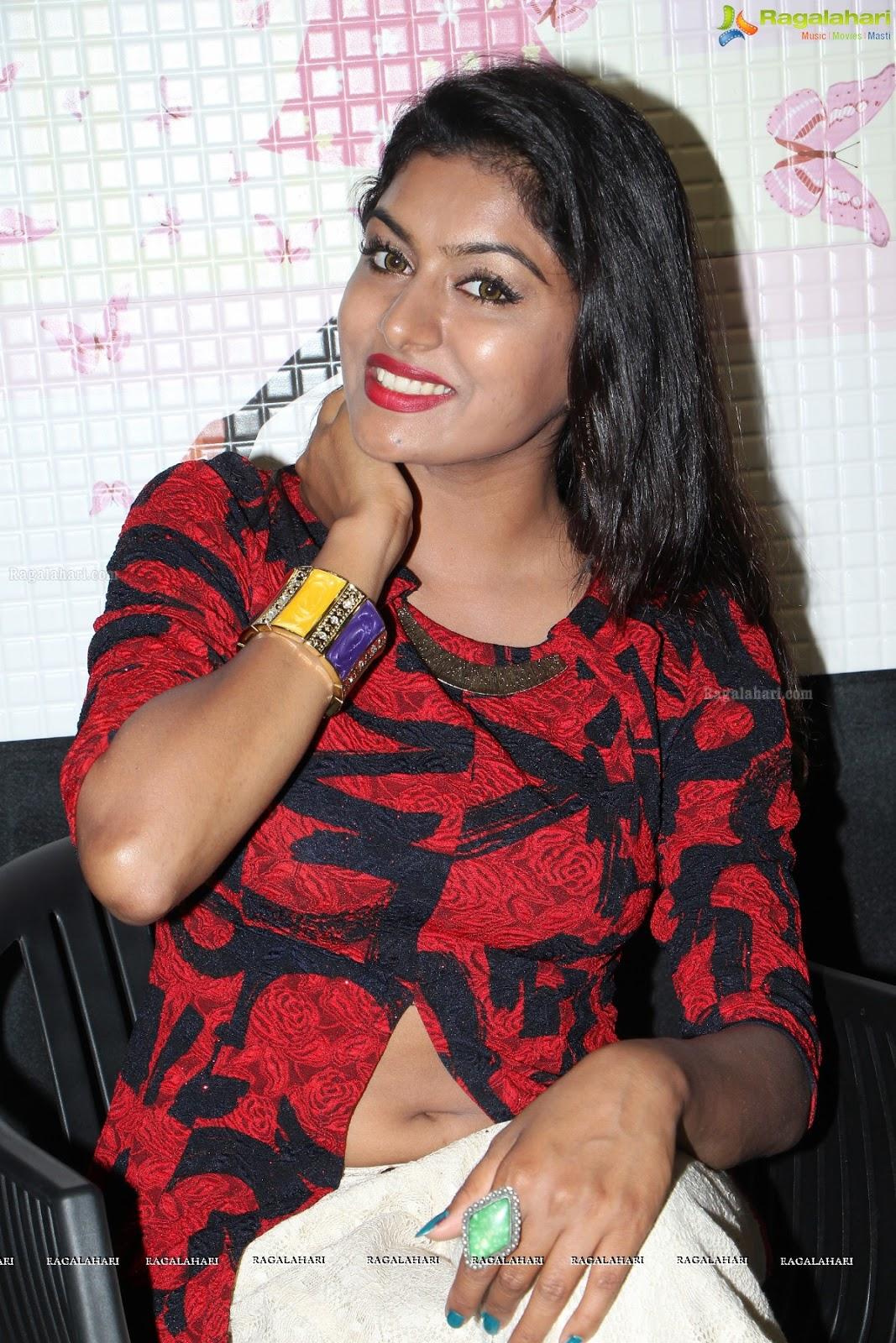 Telugu Quotes Wallpapers Sai Akshatha Hot Navel Pics Of Beautiful Telugu Actress