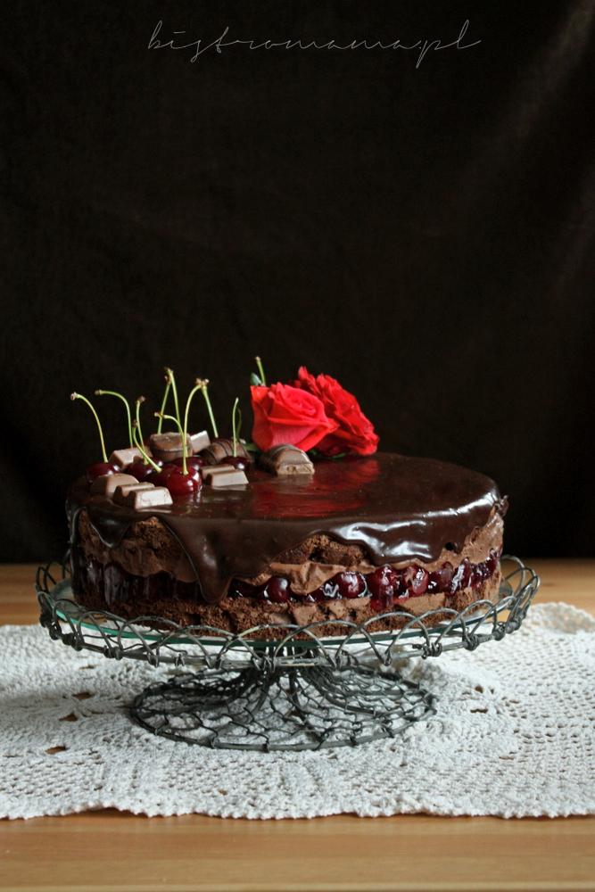 tort z wiśniami