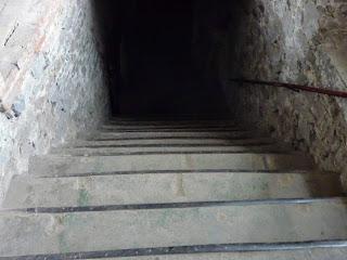 Замок Сент-Міклош. Сходи з другого поверху на перший
