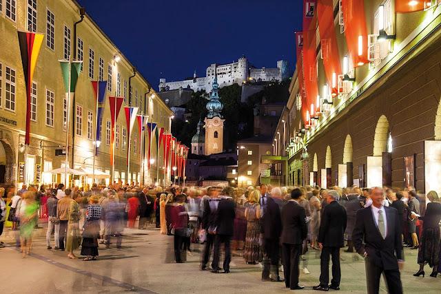 Salzburg Festival - Hofstallgasse (Photo © SF/Kolarik)