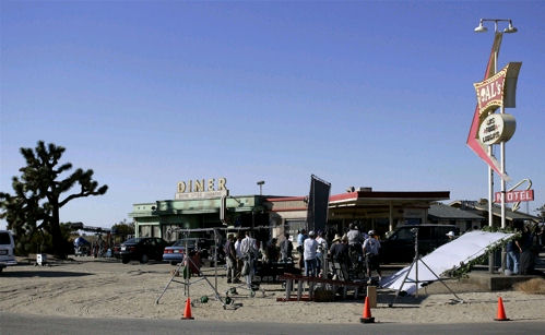 4 aces filming location set the o.c. behind the scenes