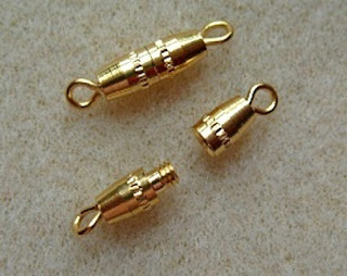 small gold screw clasps